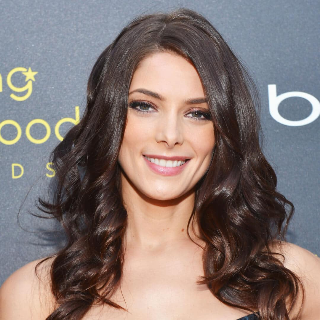 cortes de cabello para cara diamante Ashley Greene cabello largo ondulado